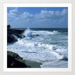 Breathtaking Ocean Surf In Tropical Island Cove Art Print