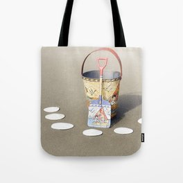 2018 Waldport Oregon - Digging Sand Dollars Tote Bag
