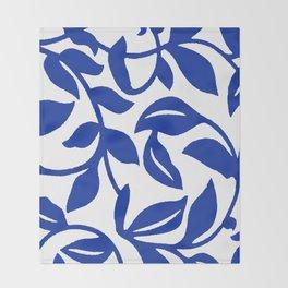 PALM LEAF VINE SWIRL BLUE AND WHITE PATTERN Throw Blanket
