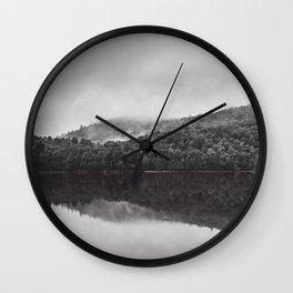 Reveil dans la brume Wall Clock