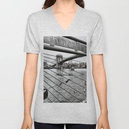 Brooklyn Bridge cc Unisex V-Neck