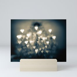 amour brûlant Mini Art Print