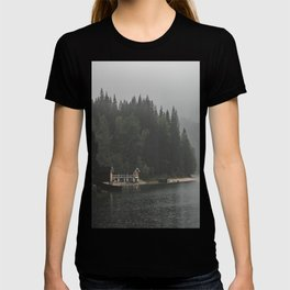 Foggy mornings at the lake II - landscape photography T-shirt
