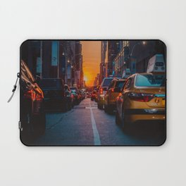 New York City Taxi Sunset (Color) Laptop Sleeve