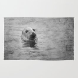 seal with texture Rug