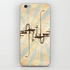 Port iPhone & iPod Skin