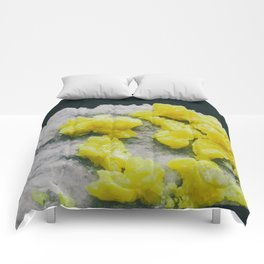 Sulfur on Celestine Comforters