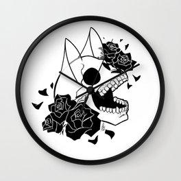 Skull 'n' Roses (ScribbleNetty-Black&White) Wall Clock