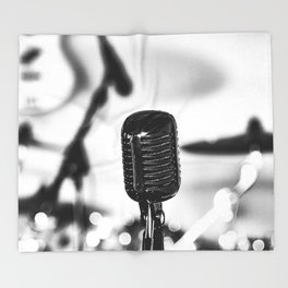 Feel The music Throw Blanket