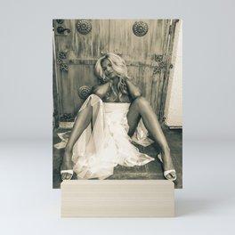 9338 Fashionista Selena Mini Art Print