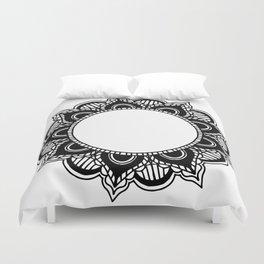 Mandala: black and white Duvet Cover
