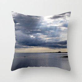 Shine that light. Throw Pillow