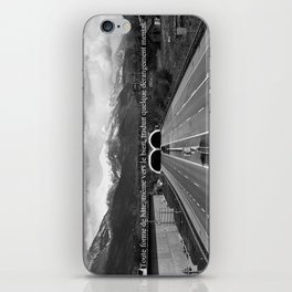 Hâtez-vous! iPhone Skin