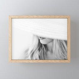 la femme Framed Mini Art Print