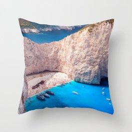 Shipwreck bay Throw Pillow