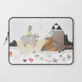 Hermit Crab vs. Snail Laptop Sleeve
