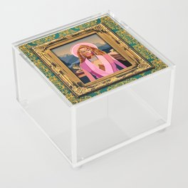 Queen B in the Louvre Acrylic Box