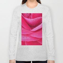 Dew on pink rose petals macro Long Sleeve T-shirt