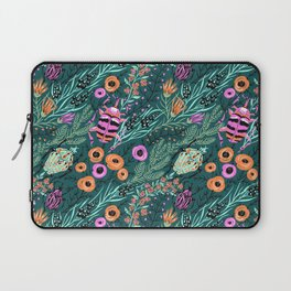 insects pattern, art for insect lovers, flowers , leaves and insects, beatle art Laptop Sleeve