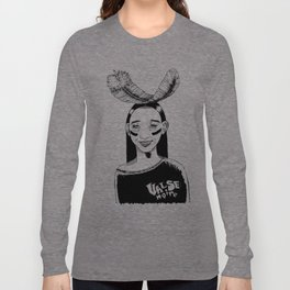 La jeune fille et la plume // Young girl and the feather Long Sleeve T-shirt