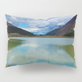 Sunwapta Lake at the Columbia Icefields in Jasper National Park, Canada Pillow Sham