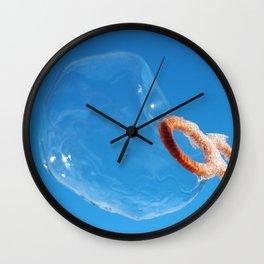 Bubble Freezing Wall Clock