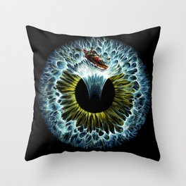 Lost in your eye -  Aquatic Throw Pillow