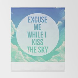 Kiss the sky Throw Blanket