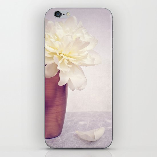 PEONY LOVE - Still life with vase and white peony iPhone & iPod Skin