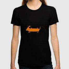Cute pissing dachshund T-shirt