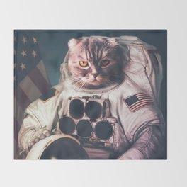 Beautiful cat astronaut Throw Blanket