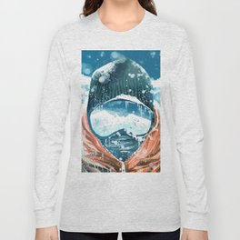 climber in the everest Long Sleeve T-shirt