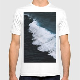 Powerful breaking wave in the Atlantic Ocean - Landscape Photography T-shirt