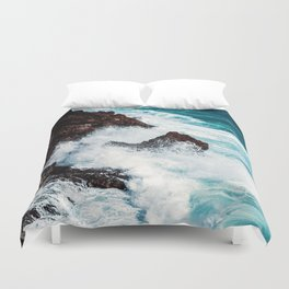 CONFRONTING THE STORM Duvet Cover