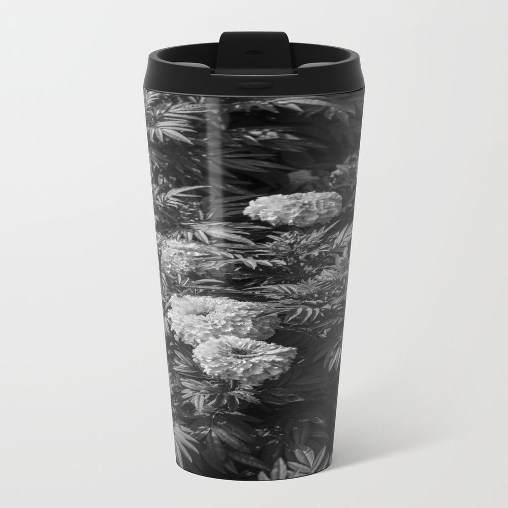 Black And White Of Marigold Flower. Travel Mug TRM9055089