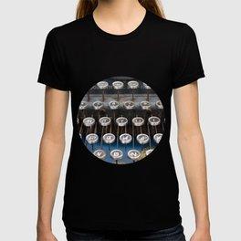 Paris old typewriter T-shirt