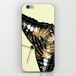 Papillon jaune et noir iPhone Skin