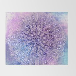 big paisley mandala in light purple Throw Blanket