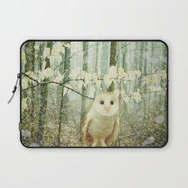 Barn Owl in Snowy Winter Woodland Laptop Sleeve