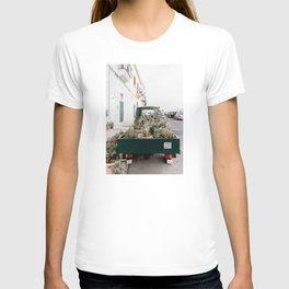 Car Full with Cactus, Italian streets, Art print T-shirt