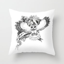 Chouette Throw Pillow
