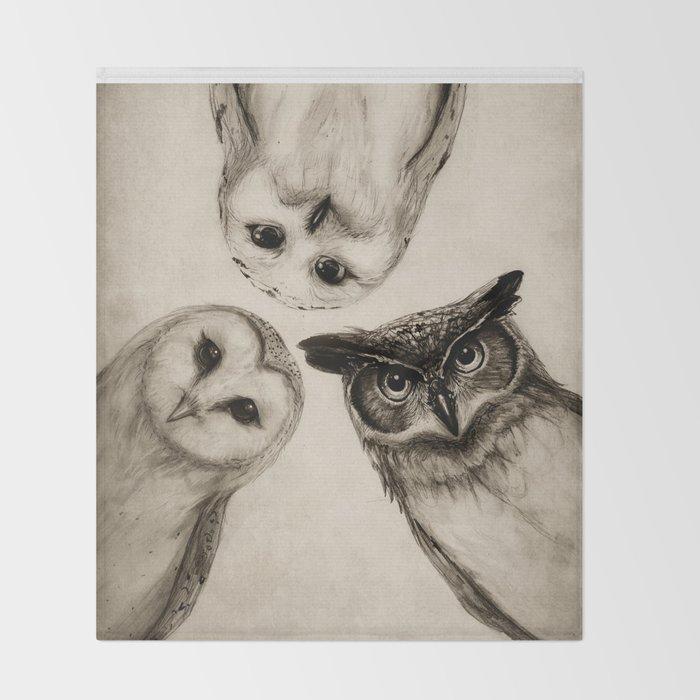 The Owl's 3 Throw Blanket