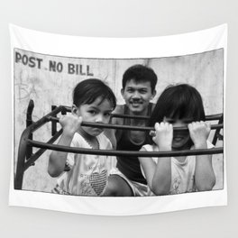 A Proud Filippino Dad Wall Tapestry