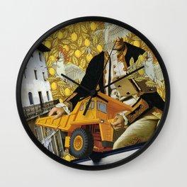 Cacatoé Trouble I Wall Clock