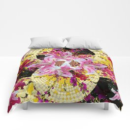 ABSTRACTED FUCHSIA-PINK LILY & HOLLYHOCKS GARDEN Comforters
