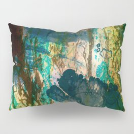 Watch, Don't Run Pillow Sham