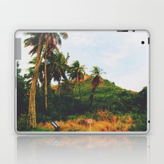 Maui rainforest trekk Laptop & iPad Skin