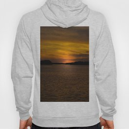 The sun goes down and night falls Hoody