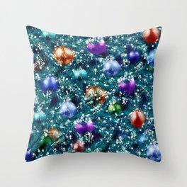 Christmas tree balls pattern Throw Pillow