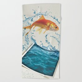 Two Dimensional Freedom Beach Towel